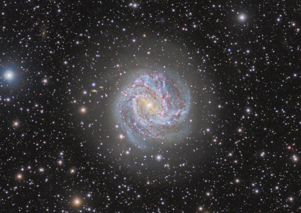 M83 南の回転花火銀河 – Photo by AstroCHL2JPN